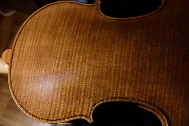 バイオリン ニス